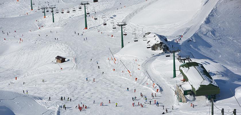 italy_milky_way_ski_area_sestriere_slopes.jpg